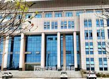 桂平郁江二桥右侧有一栋宏伟的新大楼,桂平法院大楼搬来这里啦!